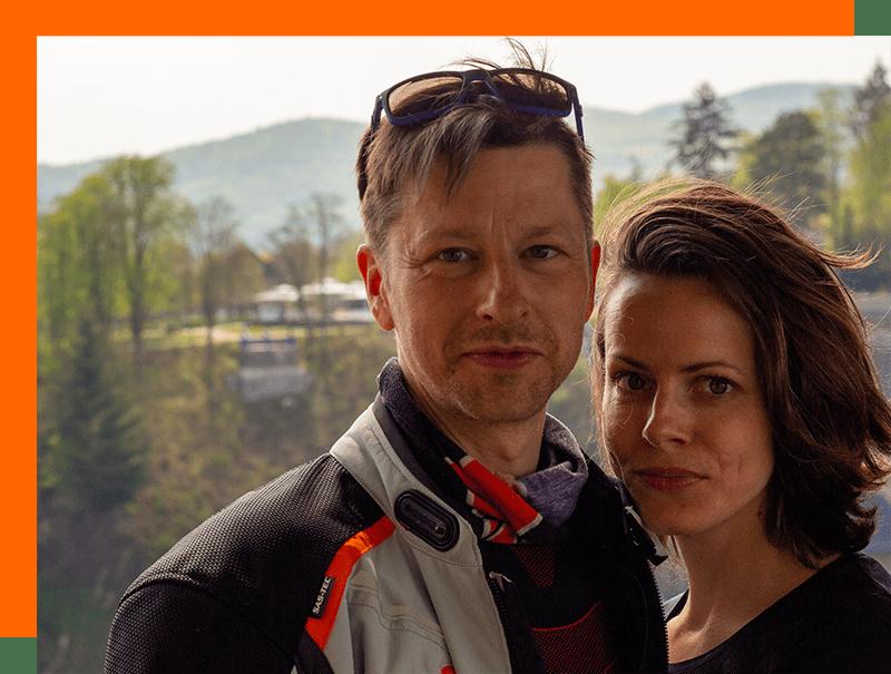 Die zwei VIP Tourenfahrer Marcel und Jana bei einer Motorradtour durch Thüringen